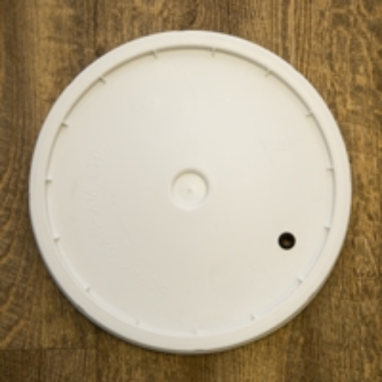 Picture of 7.8 Gallon Lid Only - Drilled with Grommet