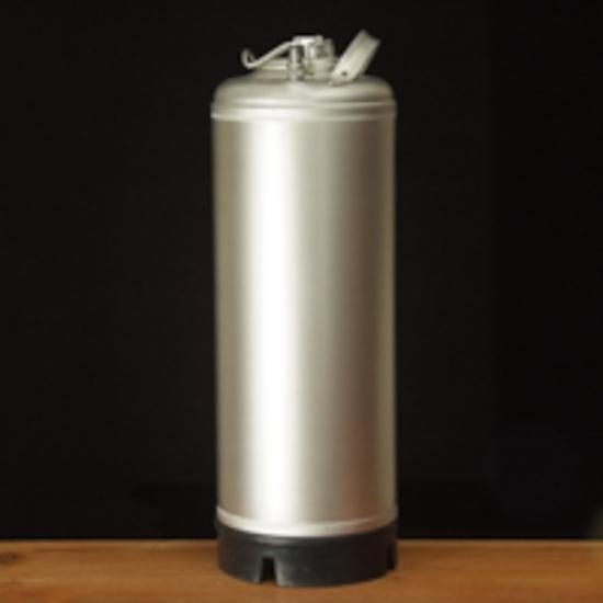 Picture of Italian Stainless Steel 5 Gallon Keg (Ball Lock)