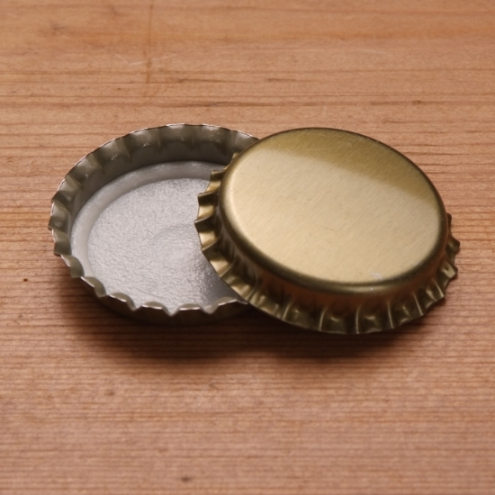 Picture of 29 mm Gold Crown Caps, Bag of 100